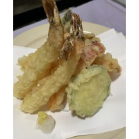 Tempura Mixta (verduras, pescado blanco, langostino)